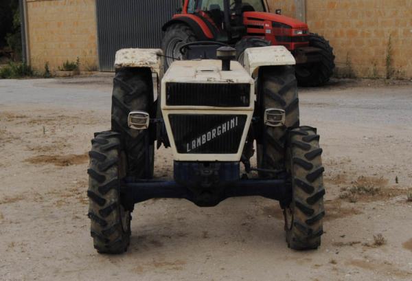 trattori_usati_sicilia_Lamborghini_CCMsrl8