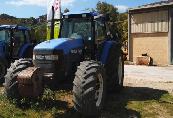 trattori_usati_sicilia_NewHolland_CCMsrl1