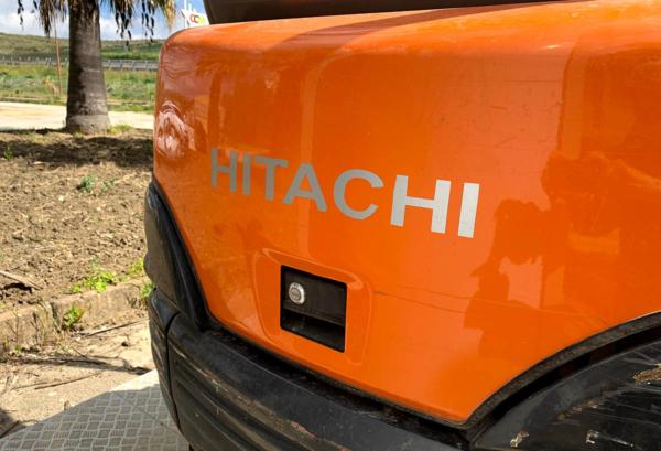 Miniescavatore_Hitachi_usato_sicilia_06